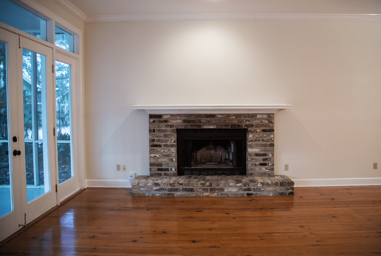19301 Scenic Hwy 98 Fireplace