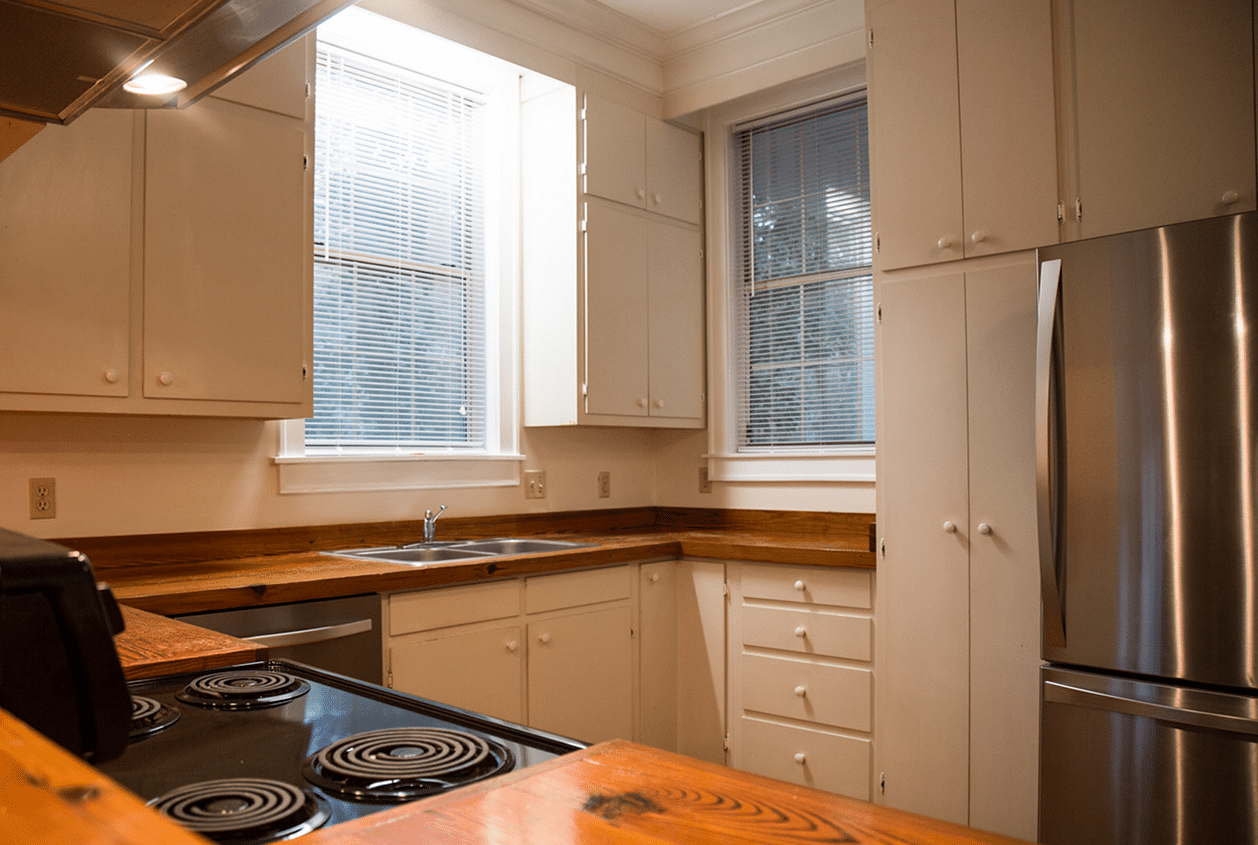 19301 Scenic Hwy 98 Kitchen