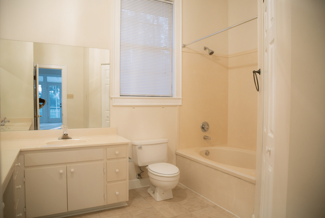 19301 Scenic Hwy 98 Downstairs Master Bath