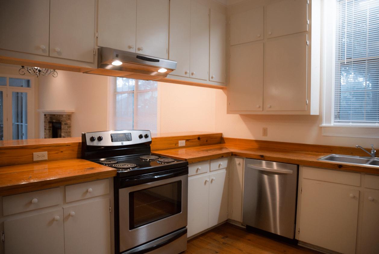 19301 Scenic Hwy 98 Open Kitchen