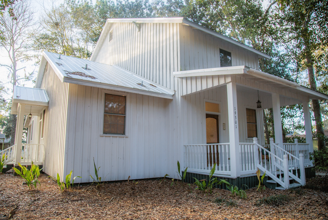19301 Scenic Hwy 98 Front Exterior