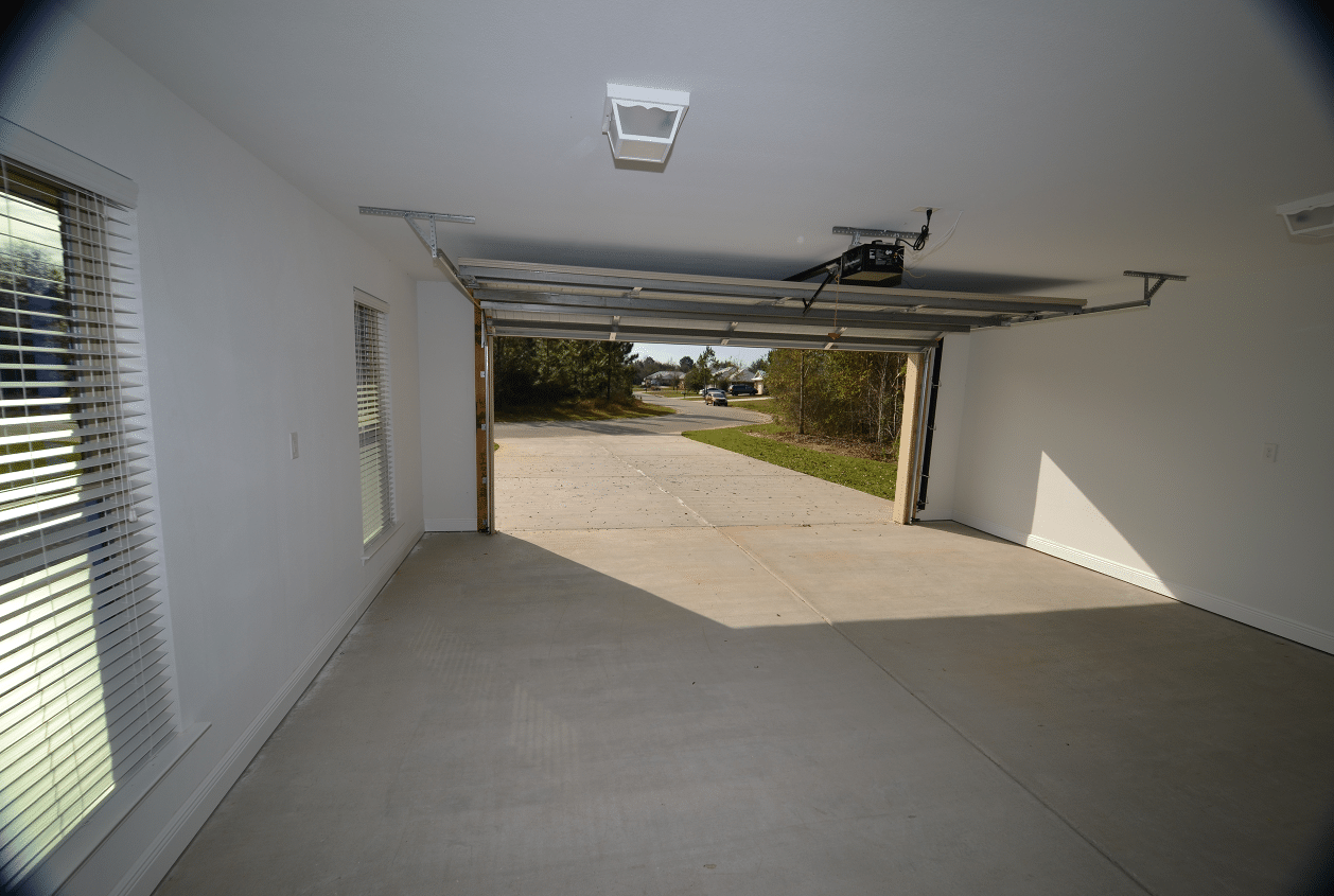 206 Summerfield Drive 2 Car Garage