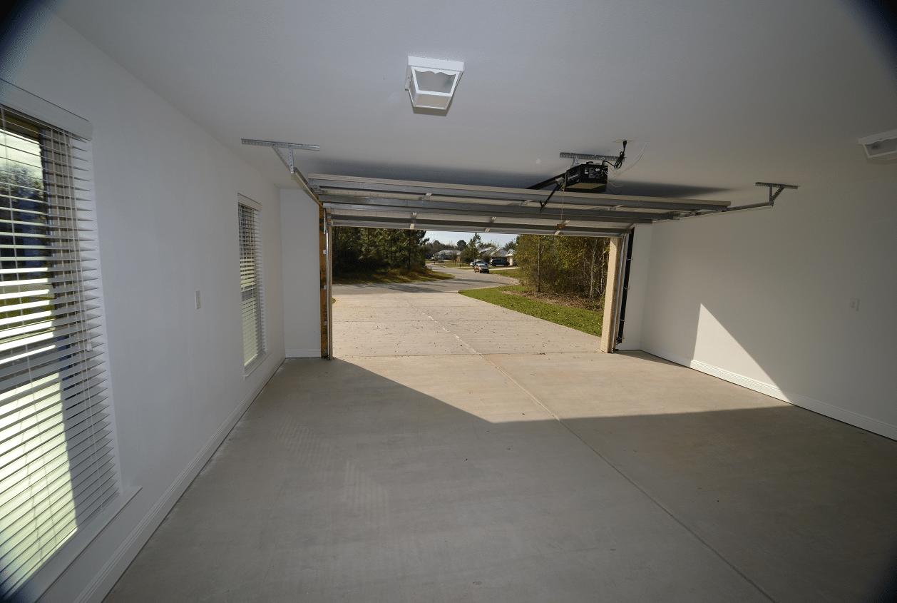 206 Summerfield Drive 2 Car Garage