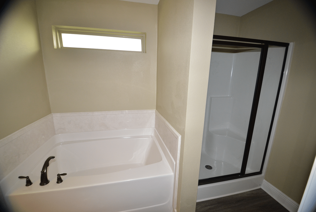 206-Summerfield-Master-Bath-Soaking-Tub-15