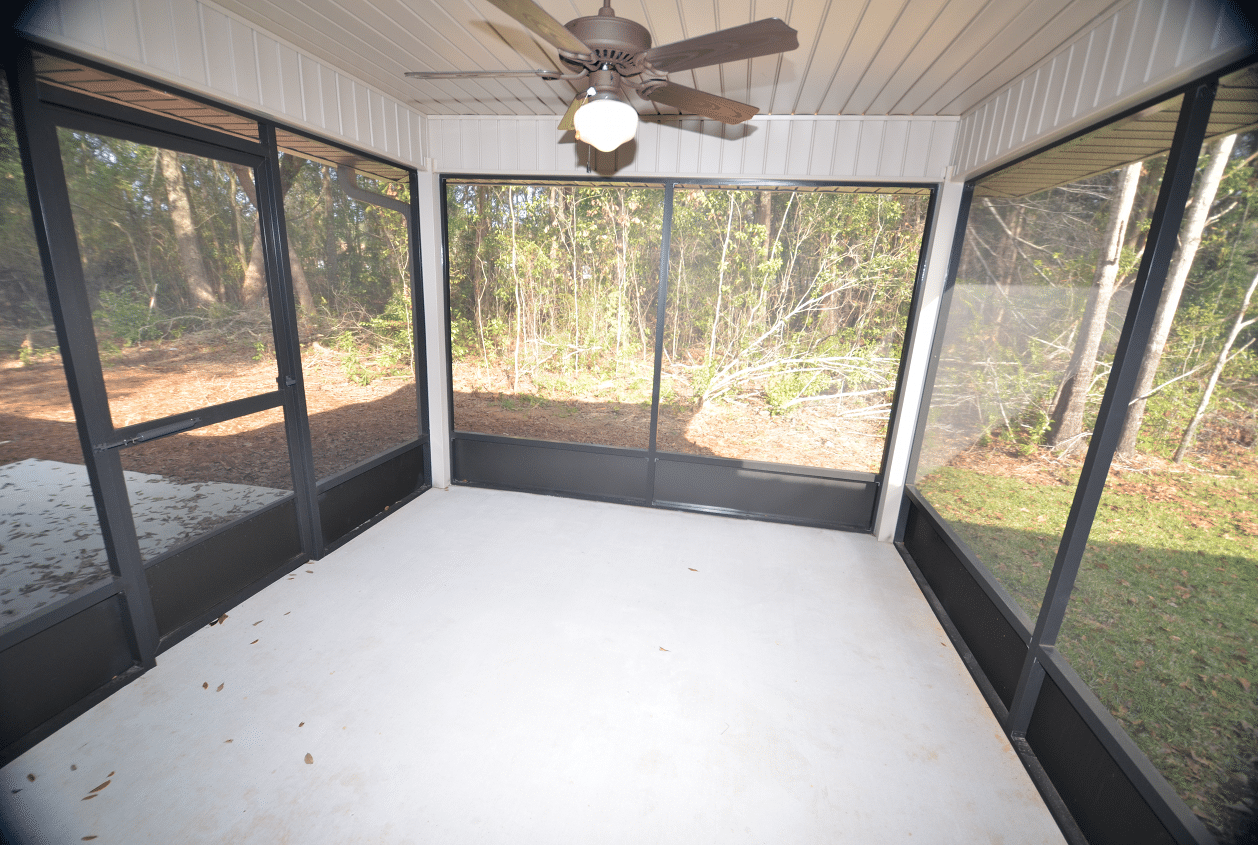 206 Summerfield Drive Screened Back Porch