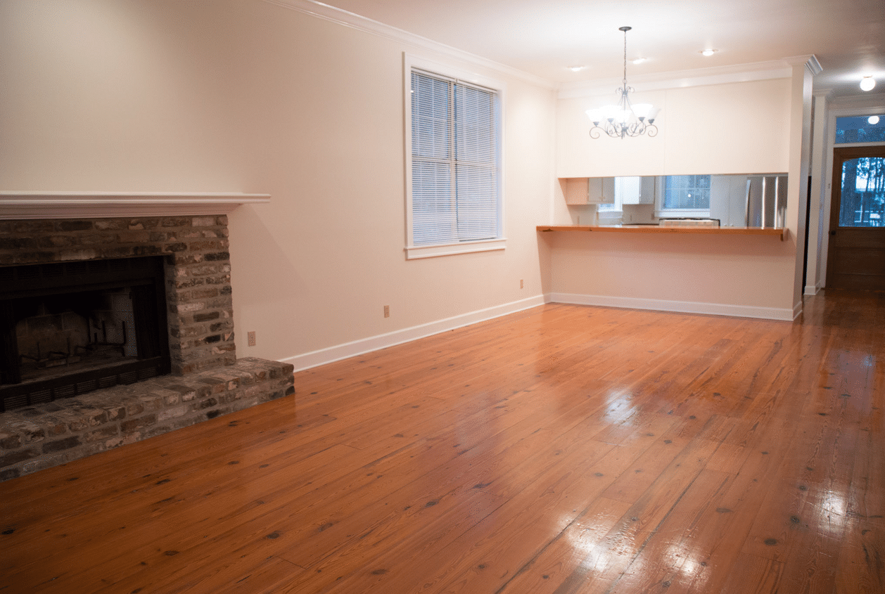 19301 Scenic Hwy 98 Living Room