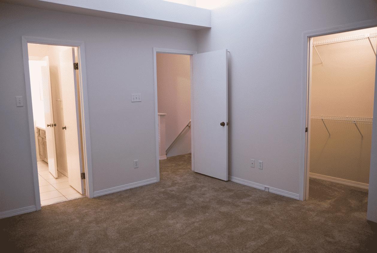 12-16-Summer-Oaks-14-Master-Bedroom