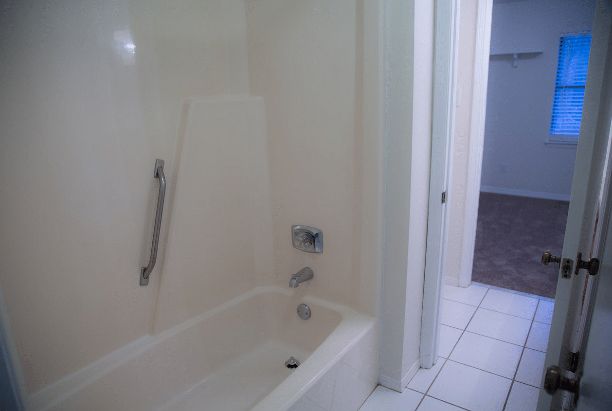 14-16-Summer-Oaks-Master-Bathroom