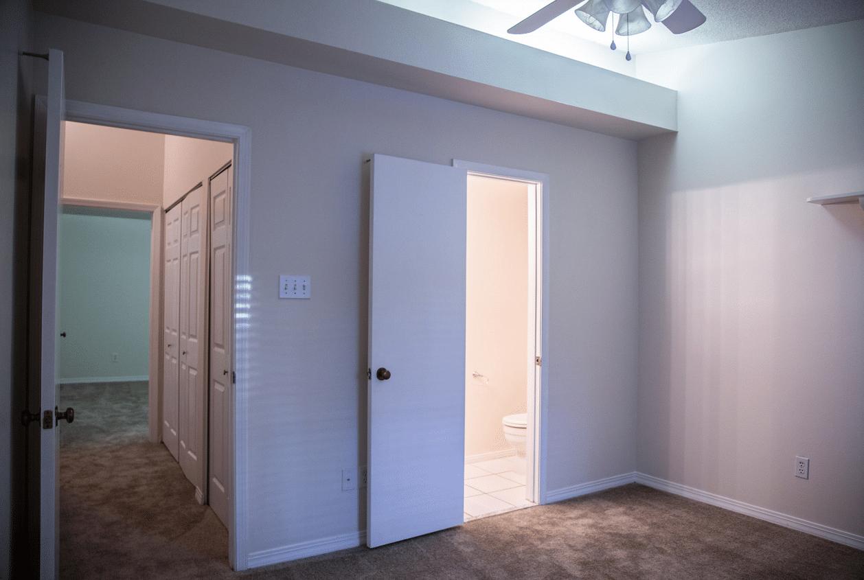 16-16-Summer-Oaks-Upstairs-Bedroom2