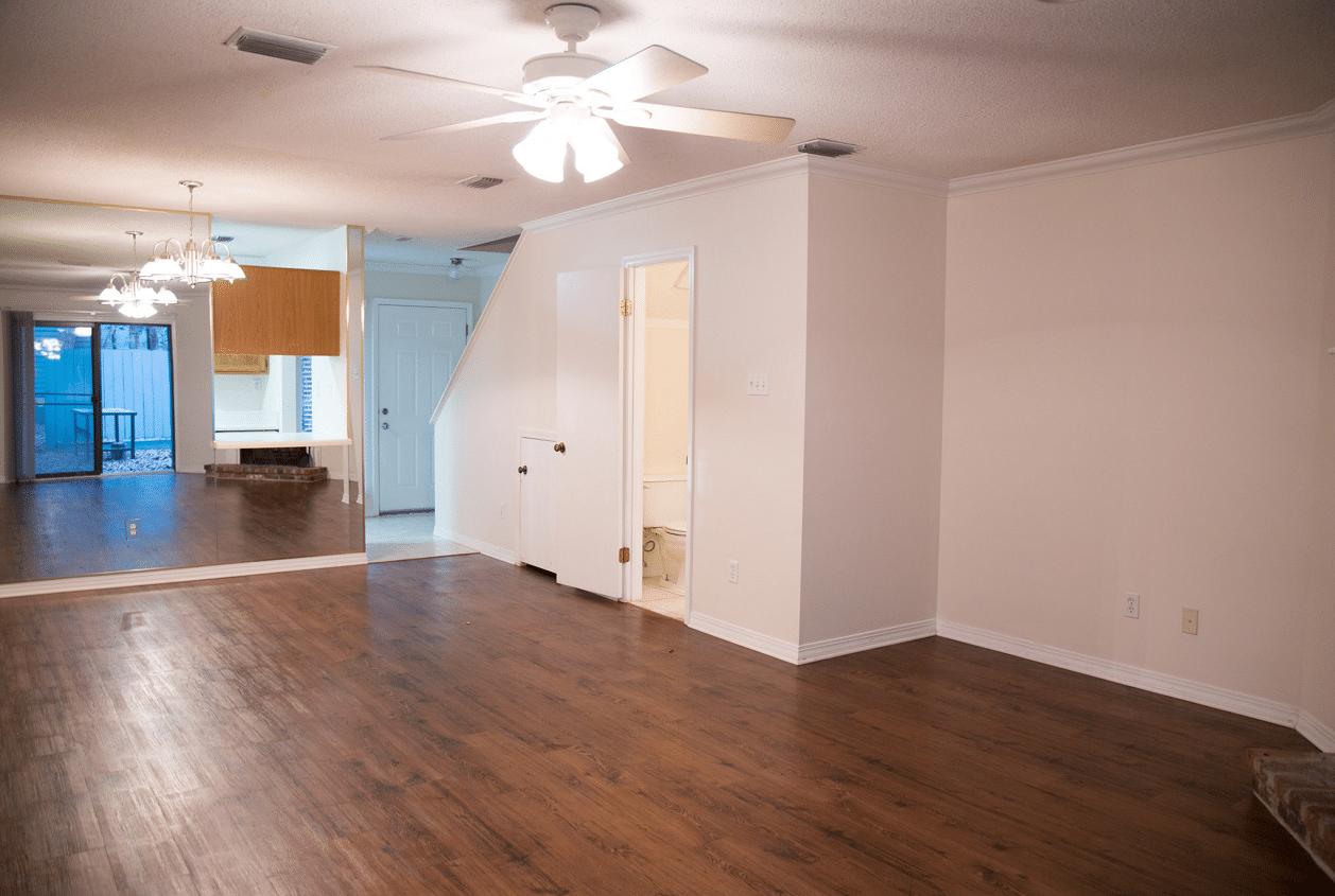 7-16-Summer-Oaks-Living-Room