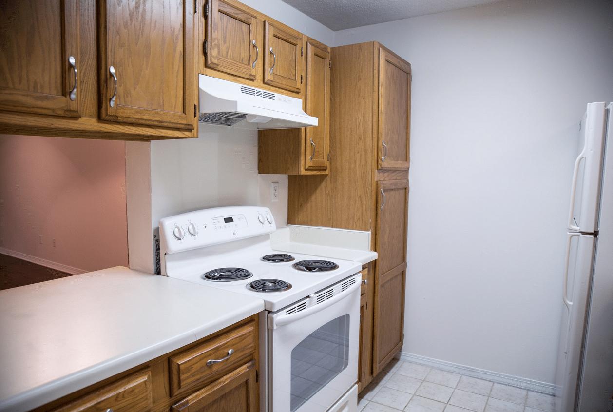 8-16-Summer-Oaks-Kitchen