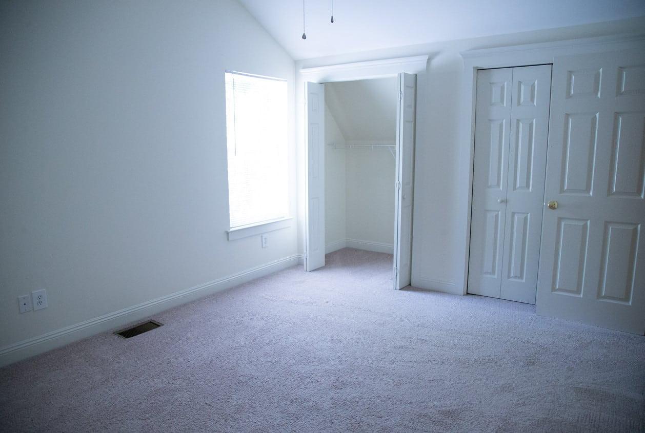 28-108-White-Avenue-Bedroom3