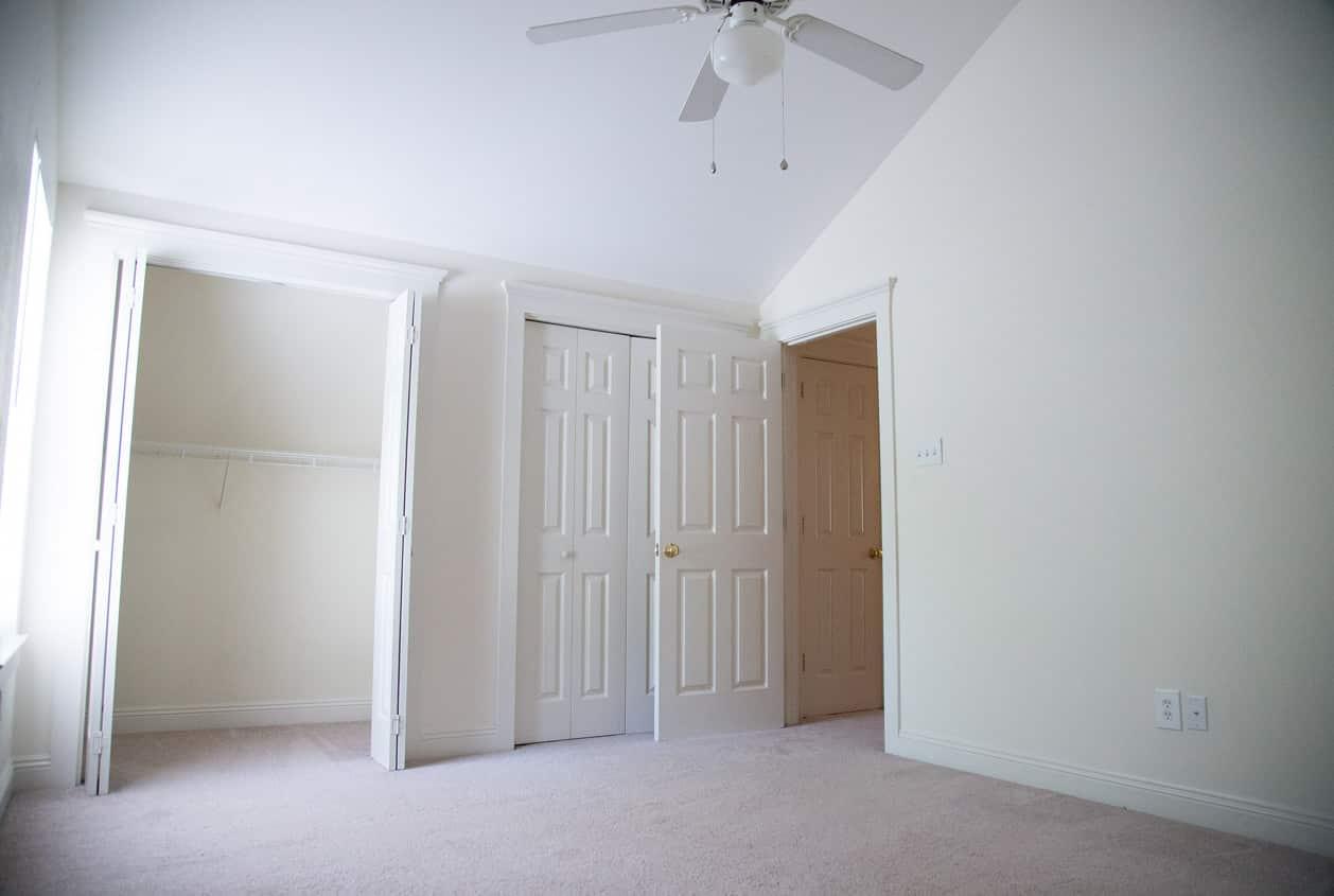 29-108-White-Avenue-Bedroom3