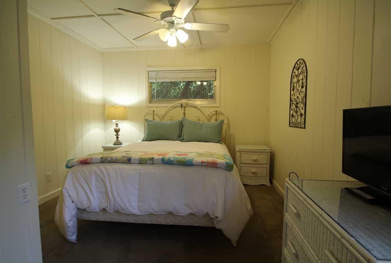 10-10891-McKenzie-Bedroom-1