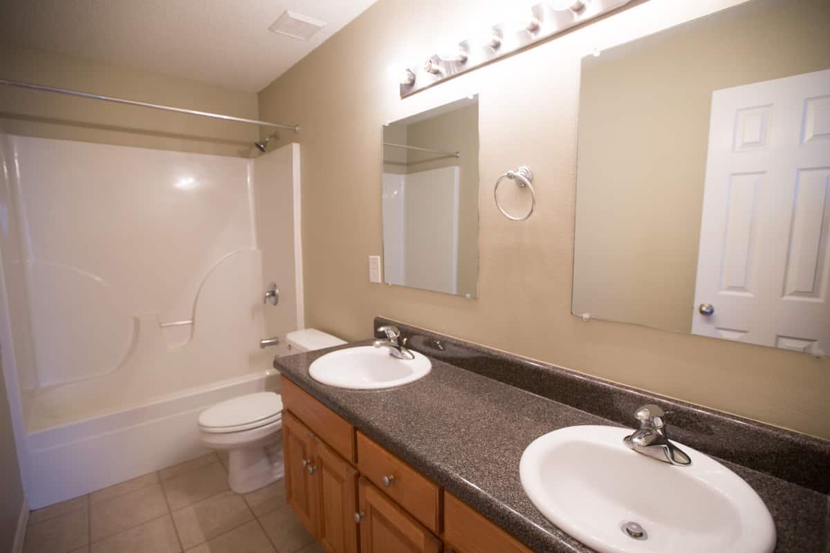 141 Summerfield Drive Master Bathroom
