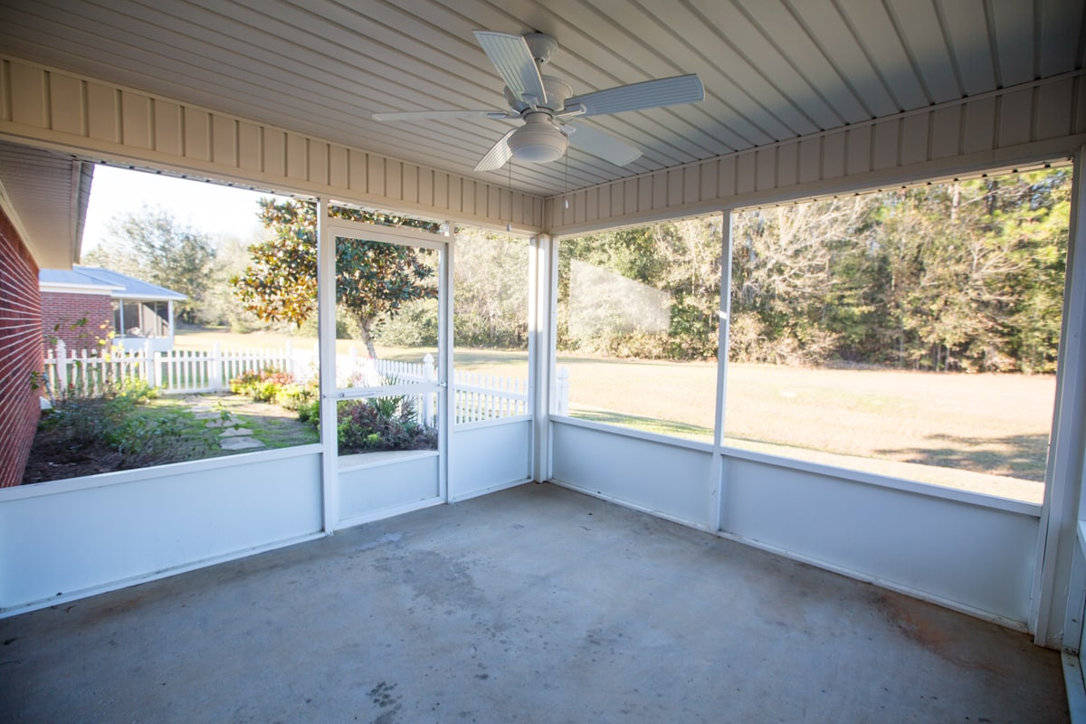 141 Summerfield Drive Screened Porch