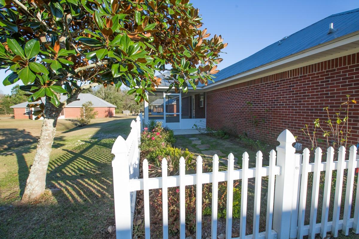 141 Summerfield Drive Fenced Back Yard