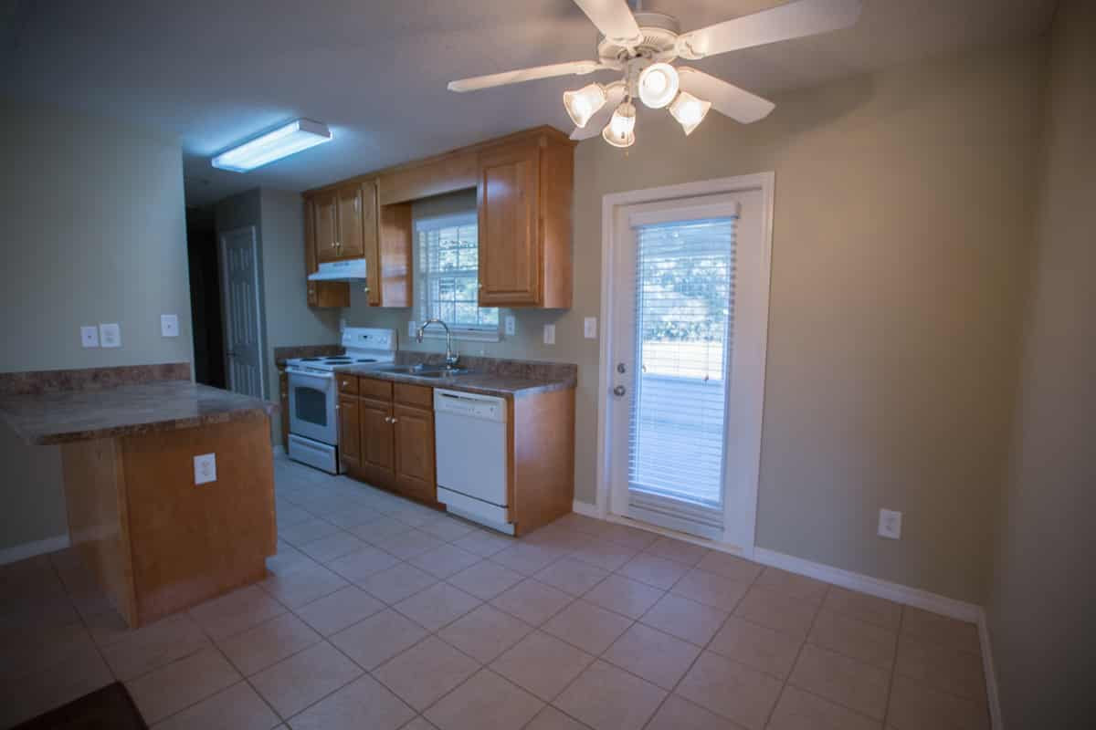 141 Summerfield Drive Kitchen Dining